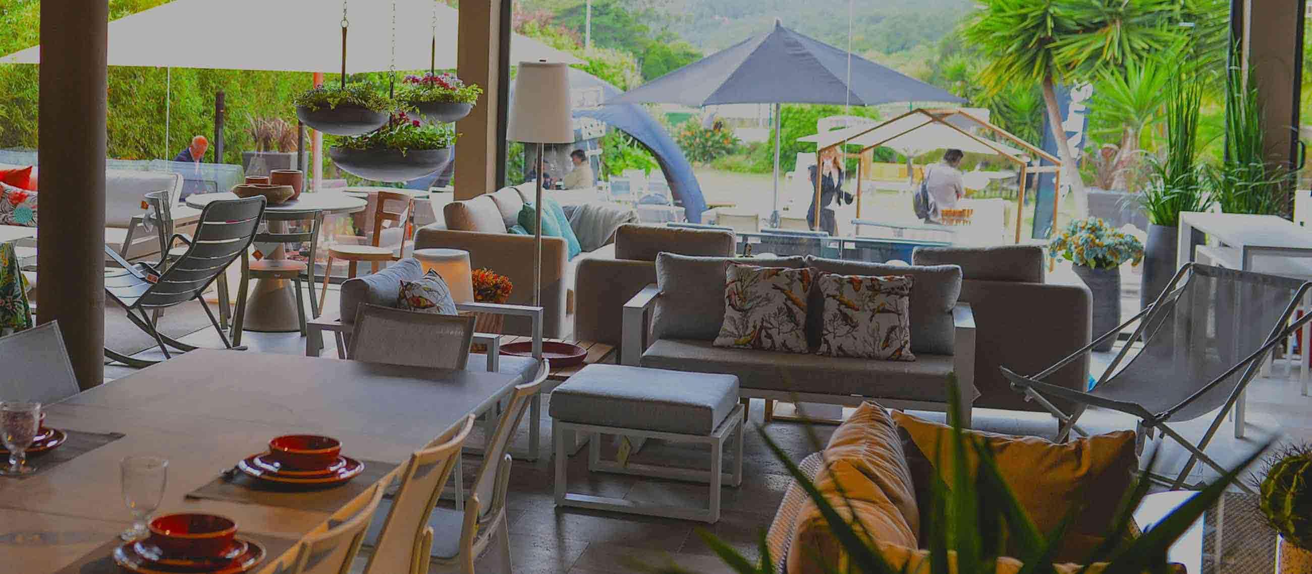 Mobiliário de jardim, exteriores e interiores
